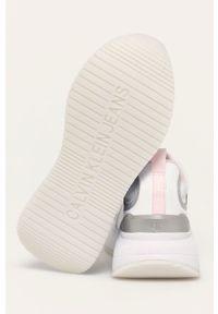 Calvin Klein Jeans - Buty. Nosek buta: okrągły. Zapięcie: sznurówki. Kolor: biały. Materiał: guma. Obcas: na platformie
