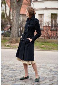 Marie Zélie - Trencz Adria bawełna z elastanem czarny. Kolor: czarny. Materiał: bawełna, elastan. Sezon: lato. Styl: klasyczny #4