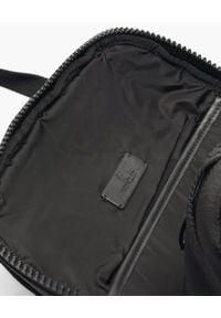 MONCLER - Czarny plecak Gimont. Kolor: czarny. Materiał: nylon, żakard. Wzór: nadruk, paski