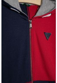 Czerwona bluza rozpinana Guess z kapturem, casualowa, na co dzień