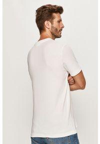 Biały t-shirt Calvin Klein na co dzień, z nadrukiem, casualowy