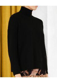 ZIMMERMANN - Kaszmirowy sweter z golfem. Typ kołnierza: golf. Kolor: czarny. Materiał: kaszmir. Wzór: prążki