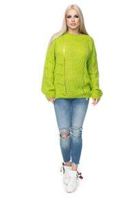 Sweter w ażurowe wzory