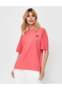 Dash My Buttons! - Luźny t-shirt z bawełny ekologicznej z haftem. Kolor: wielokolorowy, fioletowy, różowy. Materiał: bawełna. Wzór: haft