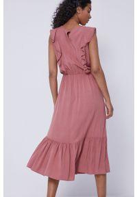 medicine - Medicine - Sukienka Essential. Kolor: różowy. Materiał: tkanina. Wzór: gładki. Typ sukienki: rozkloszowane
