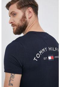 TOMMY HILFIGER - Tommy Hilfiger - T-shirt bawełniany. Okazja: na co dzień. Kolor: niebieski. Materiał: bawełna. Wzór: nadruk. Styl: casual