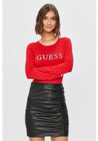 Czerwony sweter Guess Jeans z okrągłym kołnierzem, z długim rękawem