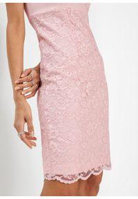 Różowa sukienka bonprix w koronkowe wzory, ołówkowa