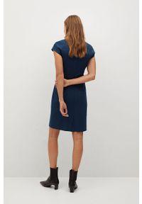 Niebieska sukienka mango na co dzień, biznesowa
