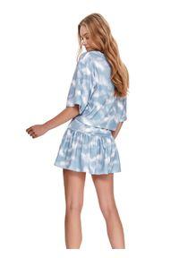 DRYWASH - Dresowa mini spódnica tie dye z falbaną. Kolor: biały. Materiał: dresówka. Sezon: lato. Styl: wakacyjny, elegancki