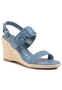 Niebieskie sandały Calvin Klein casualowe, z aplikacjami