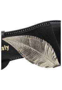 Dwunasty Shoes - Sandały DWUNASTY SHOES 900/2 Czarny+Złoty. Kolor: złoty, wielokolorowy, czarny