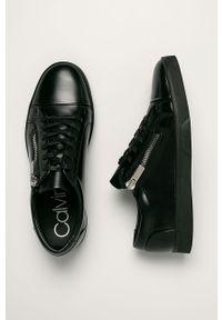 Czarne sneakersy Calvin Klein na sznurówki, z okrągłym noskiem, z cholewką