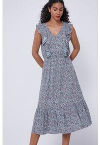 medicine - Medicine - Sukienka Essential. Materiał: tkanina. Wzór: gładki. Typ sukienki: rozkloszowane