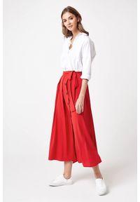 e-margeritka - Długa elegancka spódnica czerwona - l. Kolor: czerwony. Materiał: poliester, wiskoza, materiał, elastan. Długość: długie. Wzór: aplikacja. Styl: elegancki