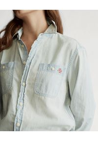 Ralph Lauren - RALPH LAUREN - Koszula jeansowa. Okazja: na co dzień. Typ kołnierza: polo. Kolor: niebieski. Materiał: jeans. Długość rękawa: długi rękaw. Długość: długie. Wzór: nadruk, aplikacja. Styl: casual