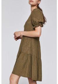 Zielona sukienka medicine prosta, z krótkim rękawem