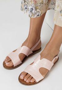 Born2be - Różowe Sandały Oaravia. Kolor: różowy