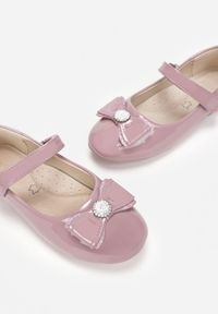 Born2be - Różowe Balerinki Karenor. Zapięcie: rzepy. Kolor: różowy. Materiał: skóra, lakier. Styl: klasyczny, elegancki