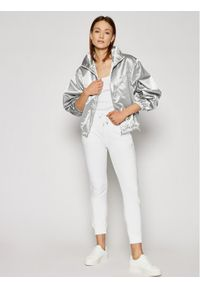 Calvin Klein Jeans Kurtka przejściowa J20J215649 Srebrny Regular Fit. Kolor: srebrny
