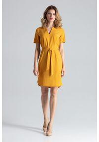 e-margeritka - Sukienka ołówkowa do biura musztardowa - s. Okazja: do pracy, na spotkanie biznesowe. Kolor: żółty. Materiał: poliester, materiał, elastan. Typ sukienki: ołówkowe. Styl: biznesowy. Długość: midi