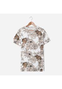 Kremowy t-shirt House