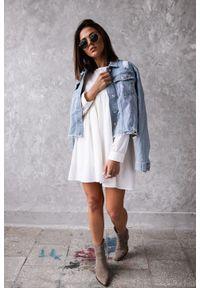Sukienka w kolorze ecru z długim rękawem - NATALY by Marsala. Okazja: na co dzień, do pracy, na spotkanie biznesowe, na imprezę. Kolekcja: moda ciążowa. Materiał: materiał, poliamid, bawełna, elastan. Długość rękawa: długi rękaw. Wzór: gładki. Typ sukienki: proste, koszulowe. Styl: biznesowy, casual
