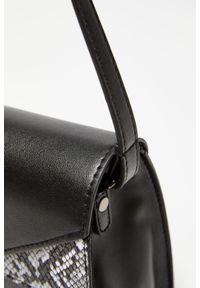 Czarna torebka MOODO z motywem zwierzęcym