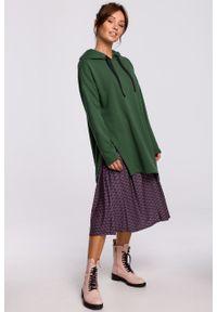 e-margeritka - Bluza długa z kapturem oversize zielona - s/m. Typ kołnierza: kaptur. Kolor: zielony. Materiał: bawełna, dzianina, materiał, elastan. Długość: długie