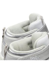 Primigi - Sneakersy PRIMIGI - 6457511 Arge. Okazja: na co dzień. Kolor: srebrny. Materiał: skóra. Szerokość cholewki: normalna. Wzór: aplikacja. Styl: casual