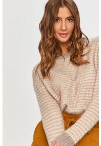Beżowy sweter Answear Lab z okrągłym kołnierzem, wakacyjny