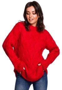 Czerwony sweter oversize MOE
