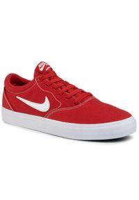 Czerwone sneakersy Nike na co dzień, z cholewką
