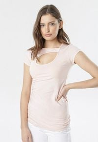 Born2be - Jasnoróżowy T-shirt Azame. Kolor: różowy