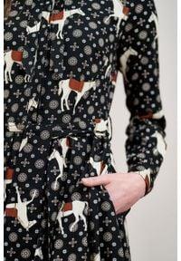 Marie Zélie - Sukienka Leandra Ponnie. Typ kołnierza: kokarda. Materiał: materiał, tkanina, bawełna, wiskoza. Długość rękawa: długi rękaw