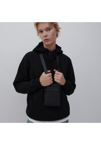 Reserved - Dresowa bluza z kapturem - Czarny. Typ kołnierza: kaptur. Kolor: czarny. Materiał: dresówka