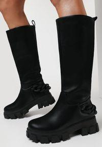 Born2be - Czarne Kozaki Cylinore. Wysokość cholewki: przed kolano. Nosek buta: okrągły. Zapięcie: bez zapięcia. Kolor: czarny. Szerokość cholewki: normalna. Obcas: na platformie. Styl: klasyczny