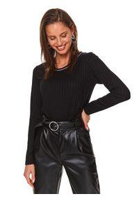 TOP SECRET - Prążkowana bluzka z okrągłym dekoltem. Okazja: do pracy, na imprezę. Kolor: czarny. Materiał: prążkowany. Długość: długie. Wzór: aplikacja, prążki. Sezon: zima