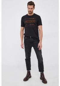 BOSS - Boss - T-shirt. Okazja: na co dzień. Kolor: czarny. Materiał: bawełna, dzianina. Wzór: nadruk. Styl: casual
