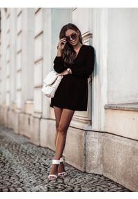 e-margeritka - Sukienka rozkloszowana mini z gumką w pasie czarna - 40. Kolor: czarny. Materiał: tkanina, materiał, poliester. Długość: mini