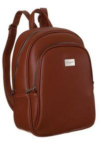 DAVID JONES - Plecak damski brązowy David Jones CM6010 CIENNA. Kolor: brązowy. Materiał: skóra ekologiczna