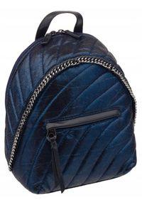 DAVID JONES - Pikowany plecaczek granatowy David Jones 5834-3 D.BLUE. Kolor: niebieski. Materiał: skóra ekologiczna. Wzór: aplikacja