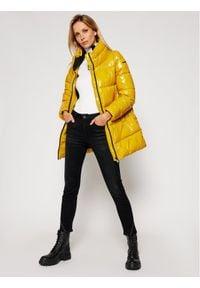 Geox Kurtka puchowa Emalise W0428R T2656 F2110 Żółty Regular Fit. Kolor: żółty. Materiał: puch
