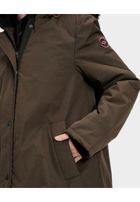 Ugg - UGG - Brązowa parka Bernice. Kolor: brązowy. Materiał: jeans, futro, syntetyk, materiał. Sezon: jesień, zima