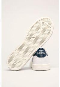 Białe niskie trampki New Balance z cholewką, z okrągłym noskiem