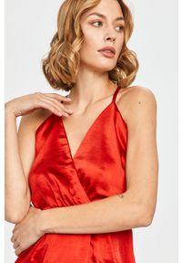Czerwona sukienka Vila rozkloszowana, mini, na ramiączkach