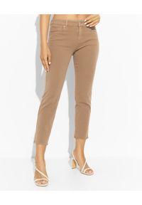 SEDUCTIVE - Karmelowe spodnie jeansowe. Kolor: brązowy. Styl: klasyczny