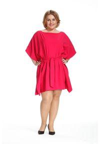 Różowa sukienka dla puszystych Moda Size Plus Iwanek na lato, w kolorowe wzory, plus size