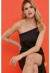 Czarna sukienka Answear Lab gładkie, na ramiączkach, na urodziny