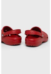 Czerwone klapki Crocs